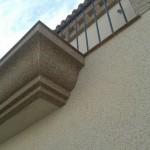 Acabado piedra color marfil (fachada) y marron(cornisas)5